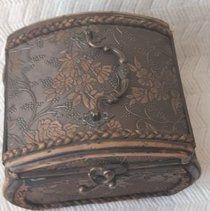 Wooden Box, very nice wooden box. With details of